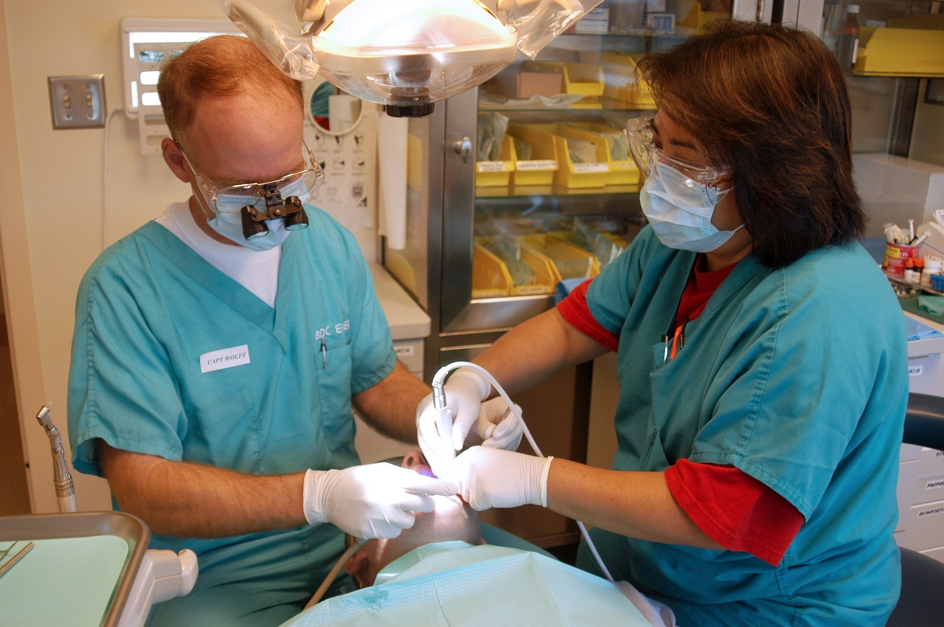 dental experts work as a team